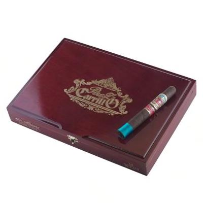 Pic of a box of La Historia's