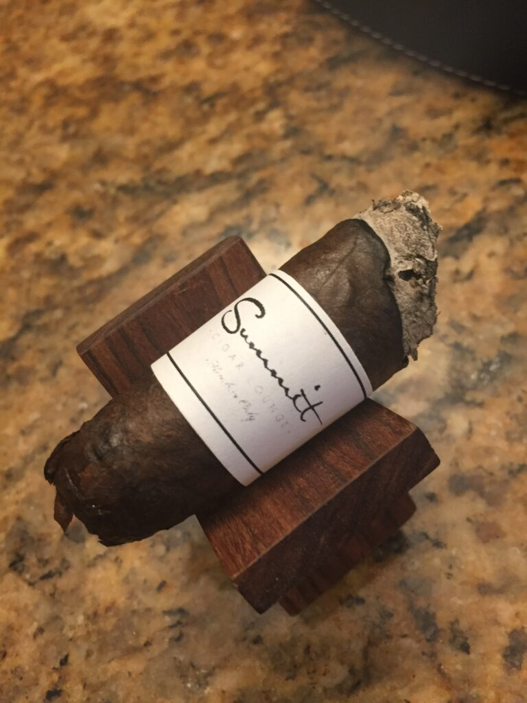 pic of a cigar with summit band